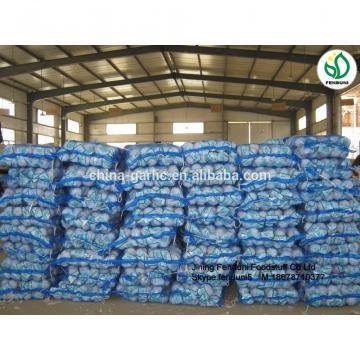 2017 fresh garlic supplier in China(4.5cm,5cm,5.5cm.6cm up)